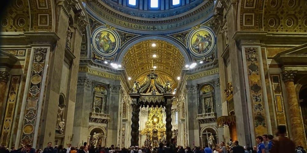 Visita la necrópolis del Vaticano en la Basílica de San Pedro