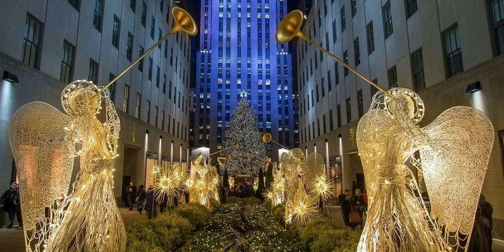 Decoración bajo el Rockefeller Centre en Navidad.