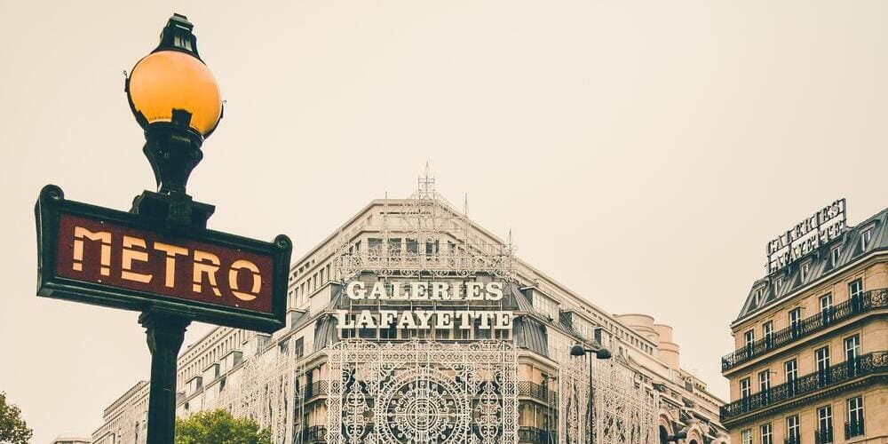 Estación de metro próximo a las Galerías Lafayete.