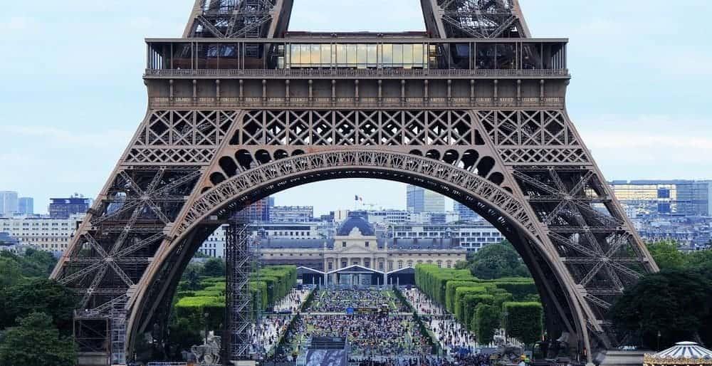 Escalones de la Torre Eiffel y altura