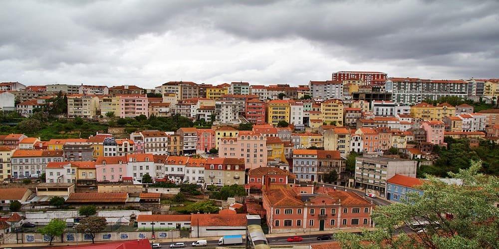 Es una de las vistas más conocidas de Coimbra que podemos ver si hacemos una excursión desde Oporto