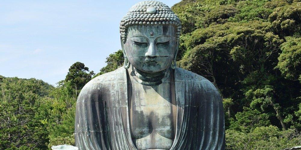 Vista del Gran Buda de Kamakura durante la visita desde Tokio