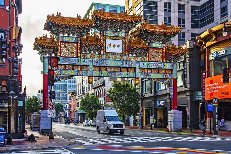 La entrada a Chinatown en Manhattan en Nueva York