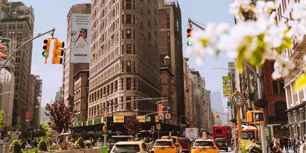 Torre Flatiron en Nueva York durante la primavera.