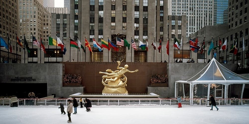 Pista de hielo en Rockefeller Centre en invierno.