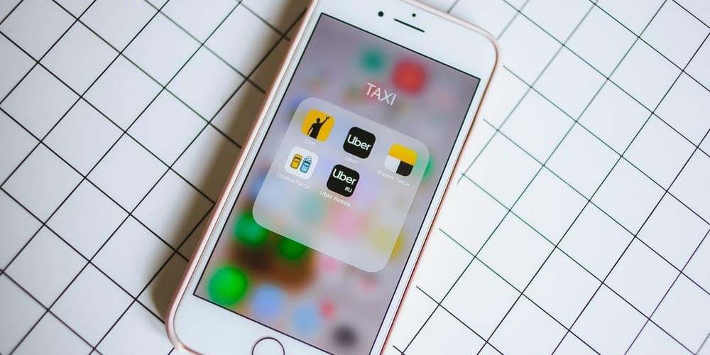 Aplicación móvil para solicitar transporte público en New York con Uber.
