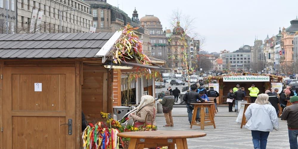 El clima en Praga en abril en el mercadillo