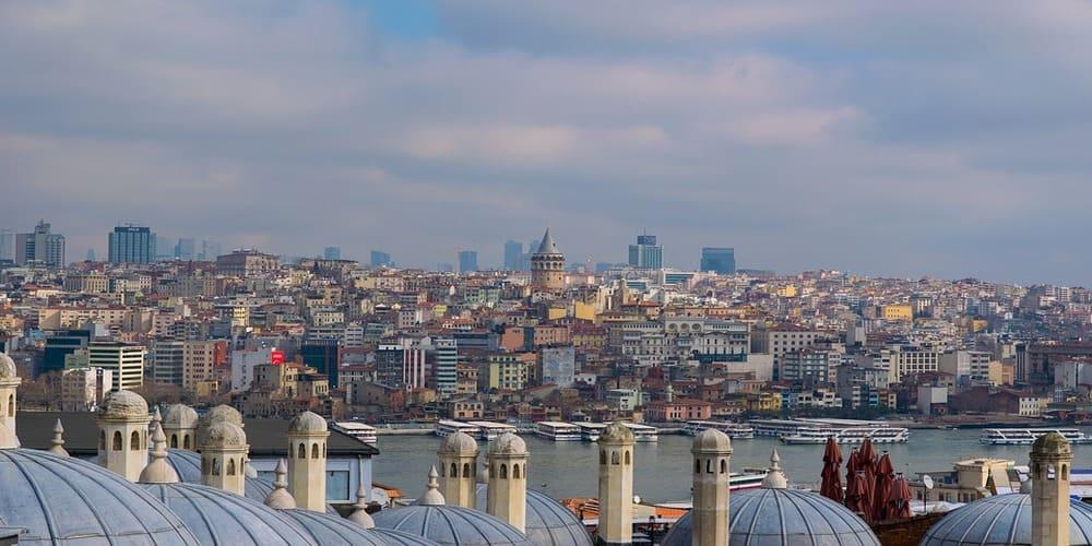 El tiempo en Estambul en abril en la ciudad del Bósforo