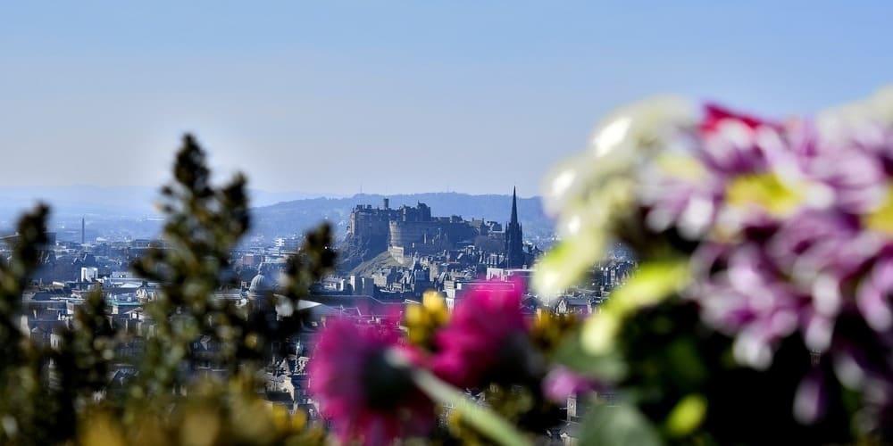 Tiempo frío en primavera en Edimburgo en abril.