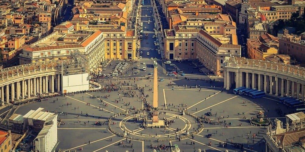 El Vaticano con temperatura suave en Roma en abril