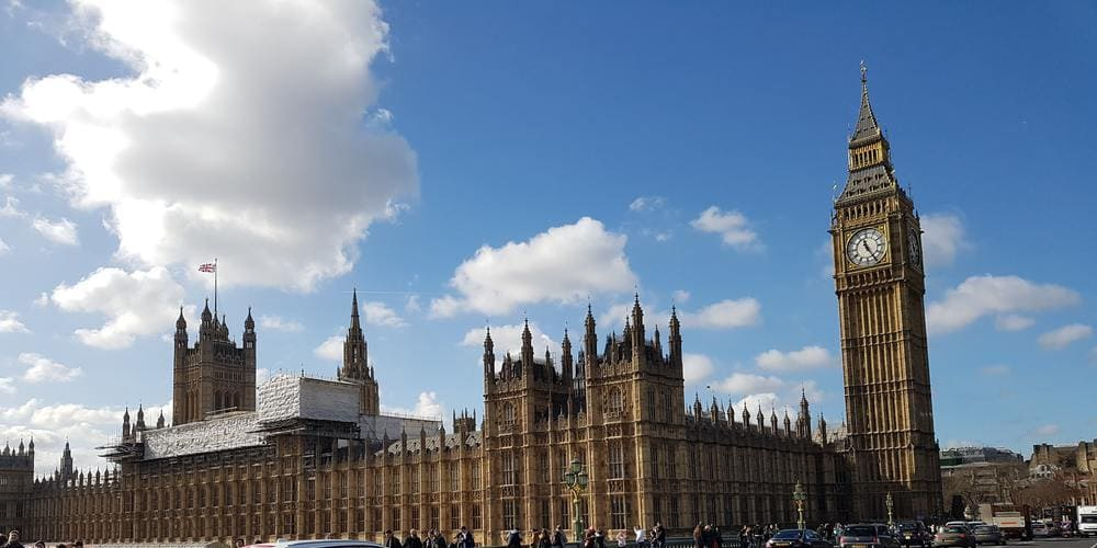Tiempo despejado sobre el Big Ben en Londres en mayo.
