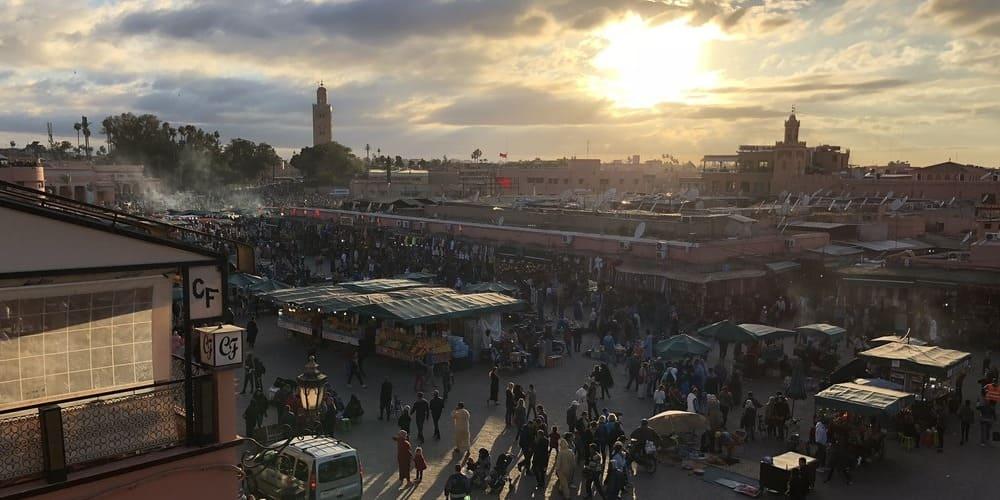 La Medina rodeada por la suave temperatura en Marrakech en marzo.