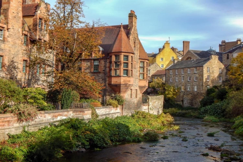 Imagen del río Leith a su paso por Dean Village
