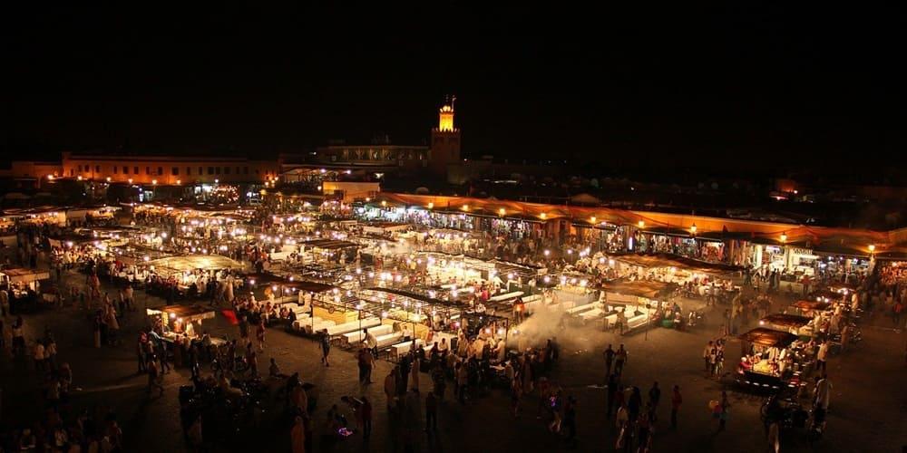 Puestos callejeros donde comer detallados en nuestra guía de Marrakech