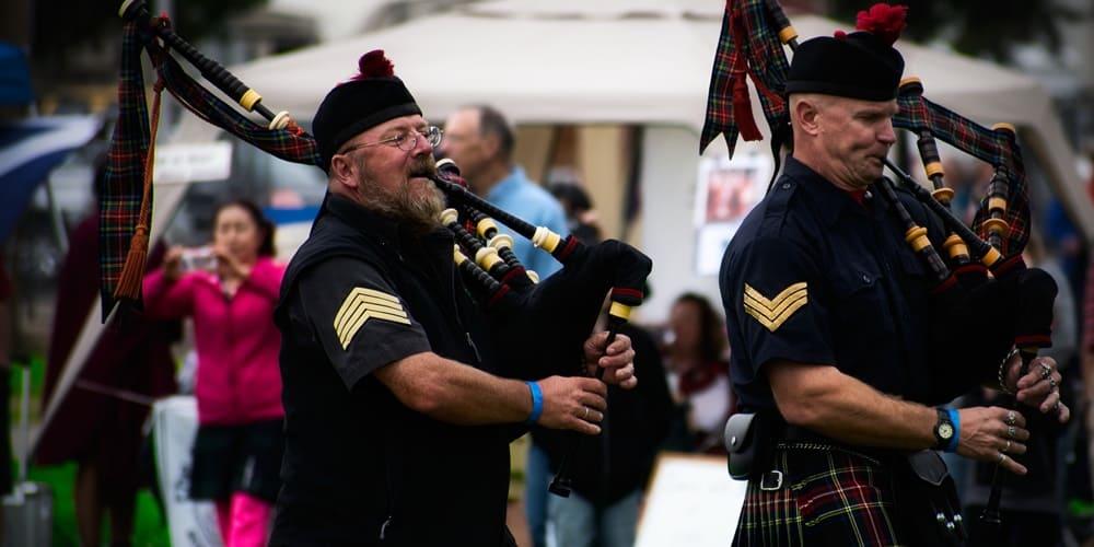 Militares escoceses tocando la Gaita en uno de sus espectaculos