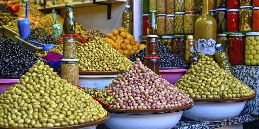 Zoco de las aceitunas en la plaza del mercado de Marrakech.