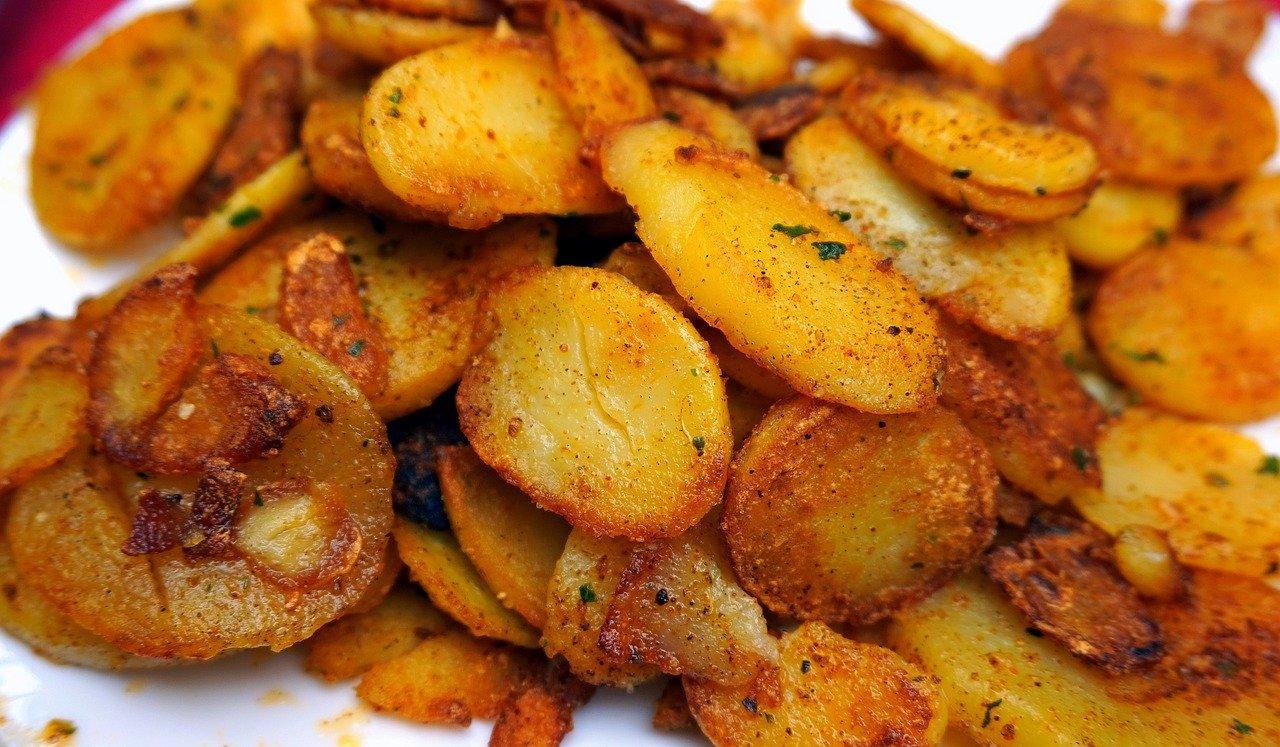 El plato típico son las patatas fritas combinadas con los mejillones