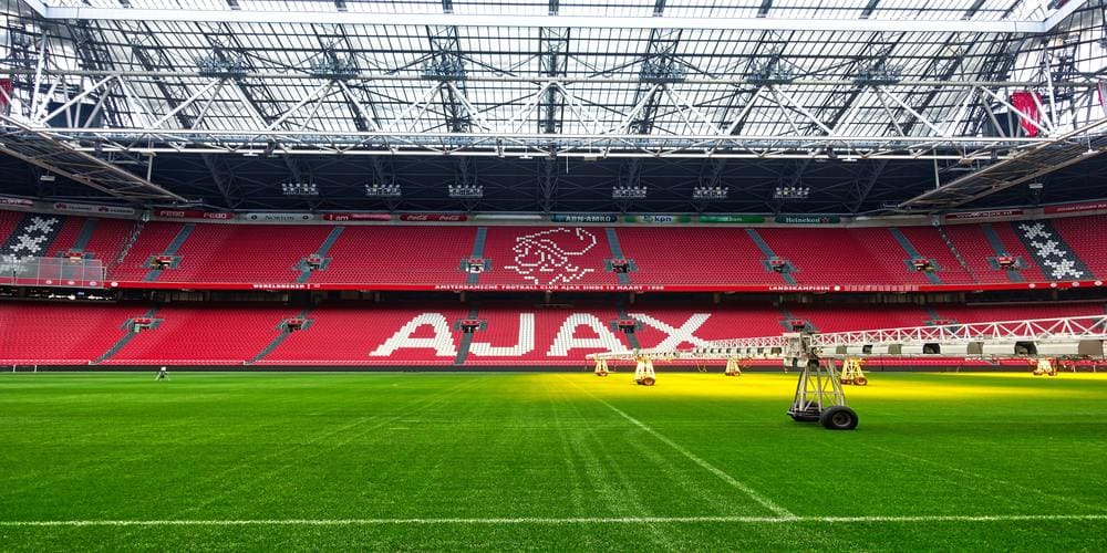 Imagen del césped y grada del Amsterdam Arena