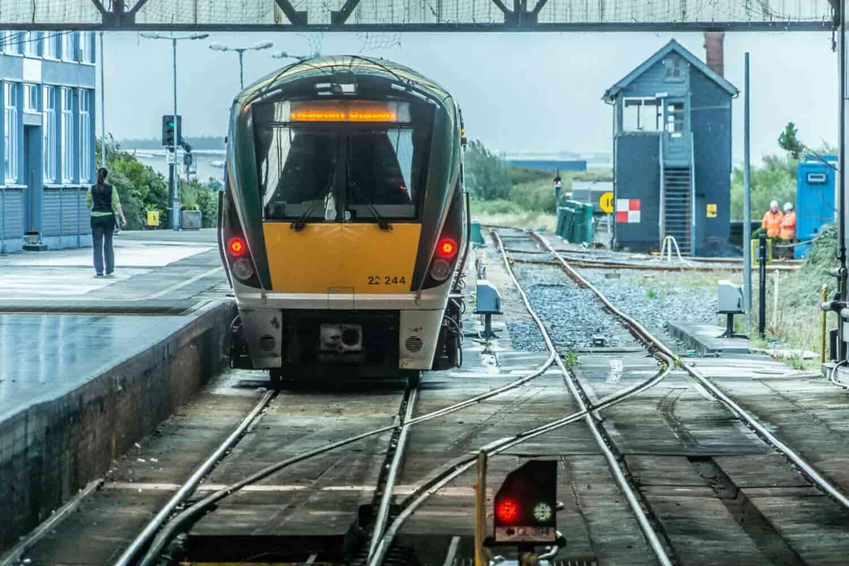 Cómo ir de Dublín a Galway: tren, bus, coche o tour