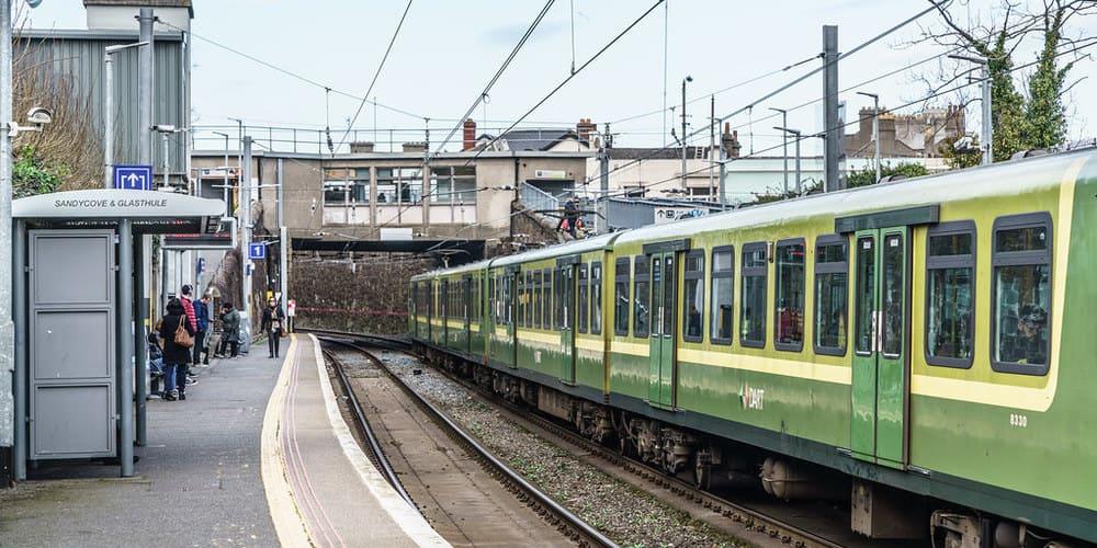 Descubre toda la información sobre el tren de cercanías DART de Dublín