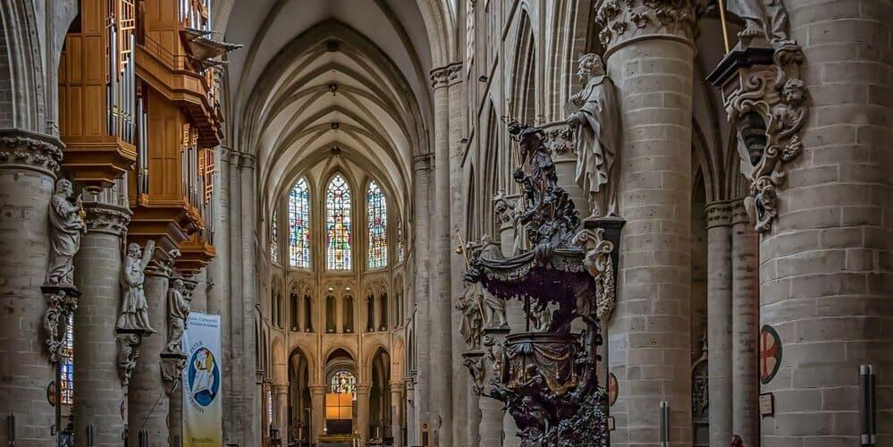 48 horas por la capital belga - visita a la Catedral de San Miguel y Santa Gúdula