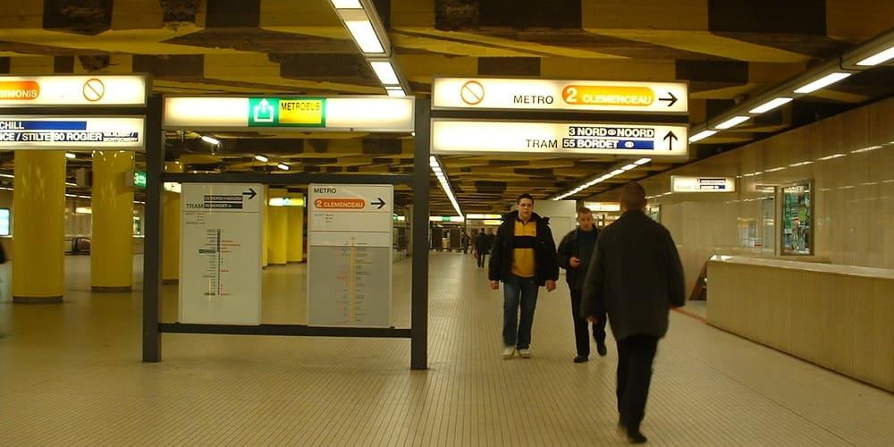 Ir de Bruselas Midi al aeropuerto Charleroi