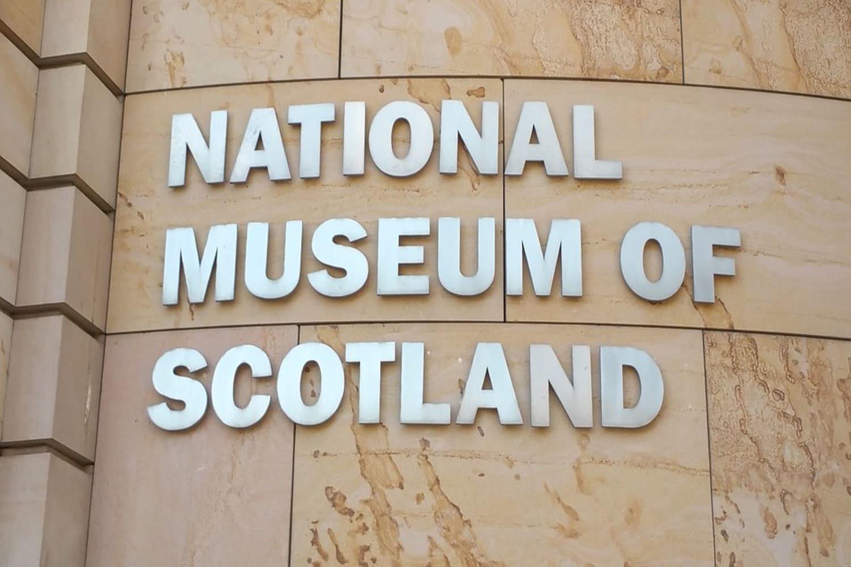 El museo nacional es el museo más grande de toda escocia