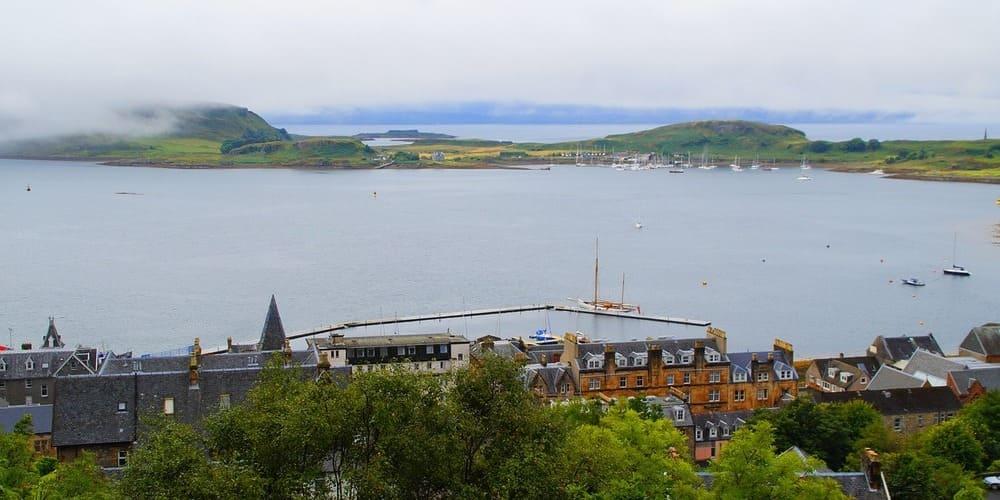 Tiempo de Oban en Escocia: primavera, verano, otoño e invierno