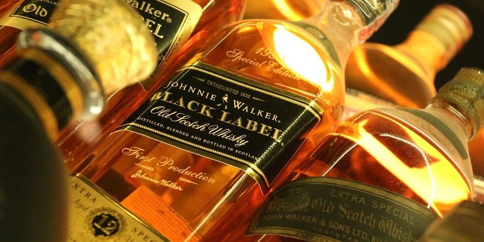 Whisky producto típico de la capital escocesa