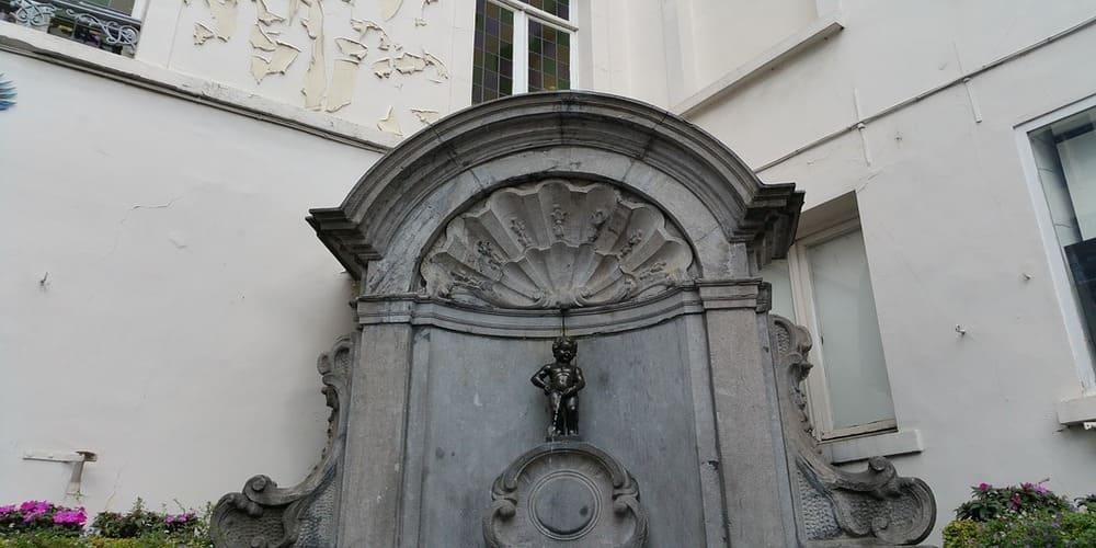 La estatua más famosa de la ciudad de Bruselas es el Manneken Pis