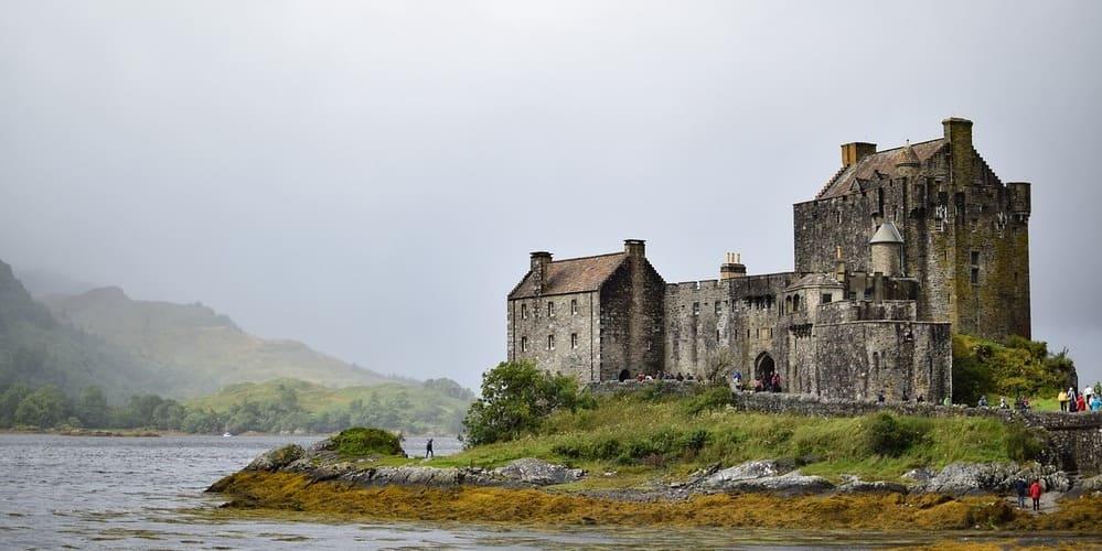 Castillo de Eilean Donan - sitio ideal que ver en Escocia