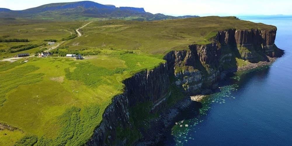 Los acantilados de Kilt Rock son uno de los imprescindibles de las Highlands