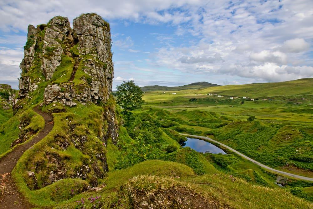 Fairy Glen o Valle de las hadas es una de las cosas que hay que ver en isla de skye