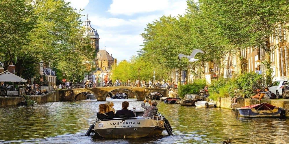 Paseo por los canales de Amsterdam