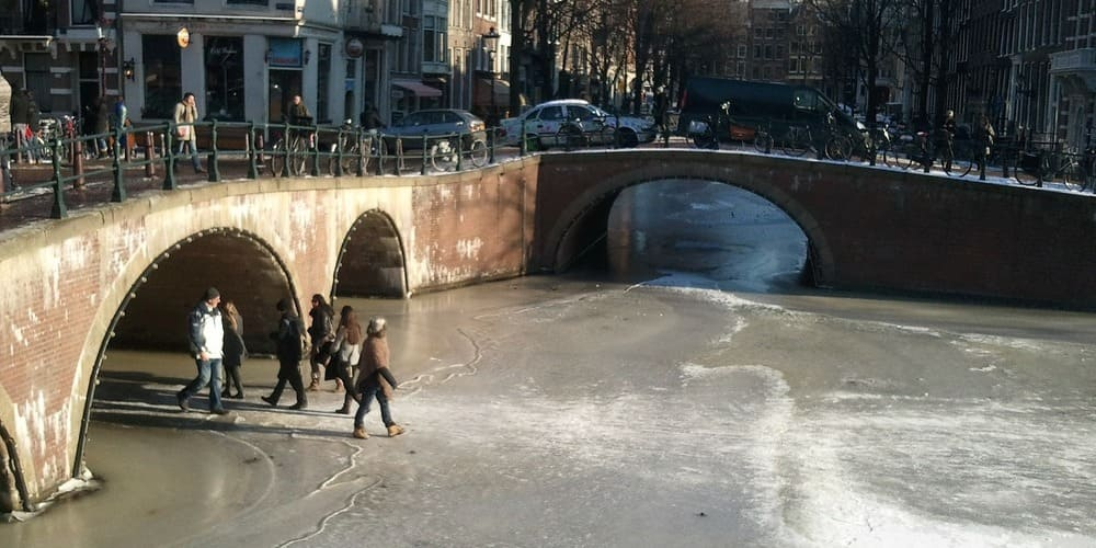 Cosas que hacer en Ámsterdam en invierno - patinar sobre hielo