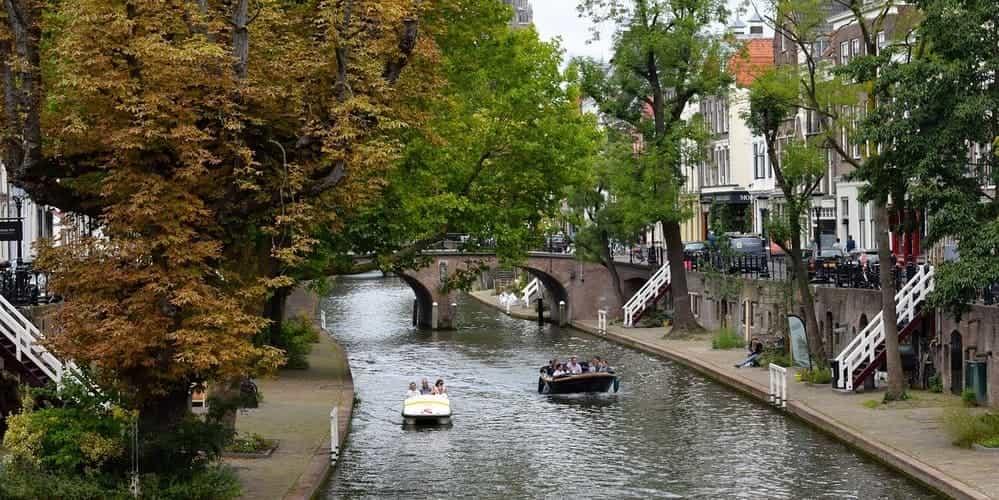 Cómo ir de Ámsterdam a Utrecht en bus