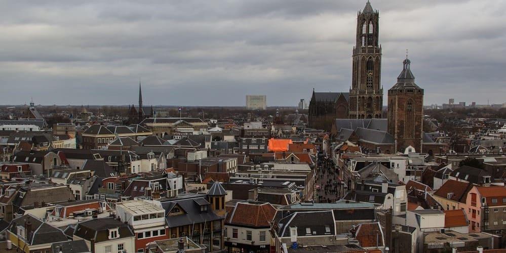 Llega a la ciudad de Utrecht desde la capital holandesa