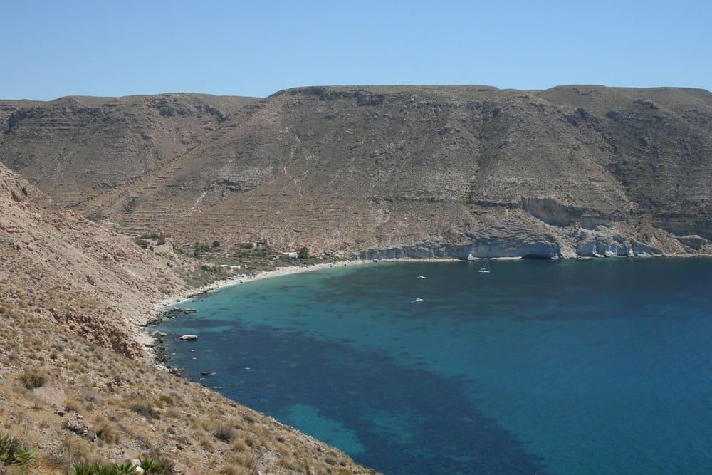 Vista de la playa de San Pedro en Cabo de Gata