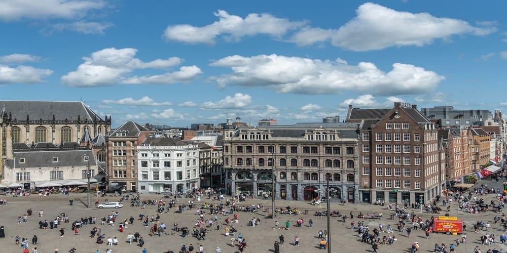 Plaza Dam en el centro de Amsterdam
