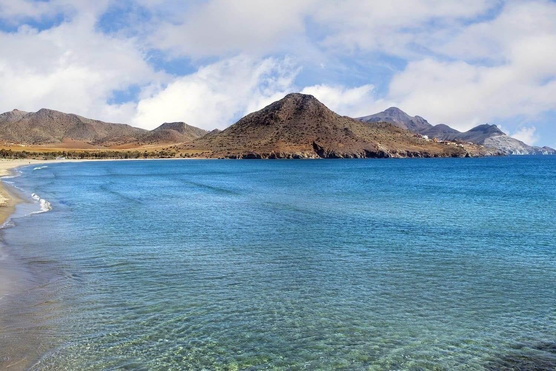 Kayak en Cabo de Gata: Las mejores rutas
