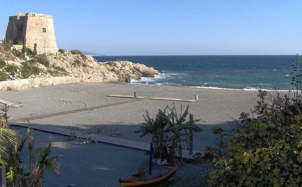 Playa del tesorillo en Almuñecar