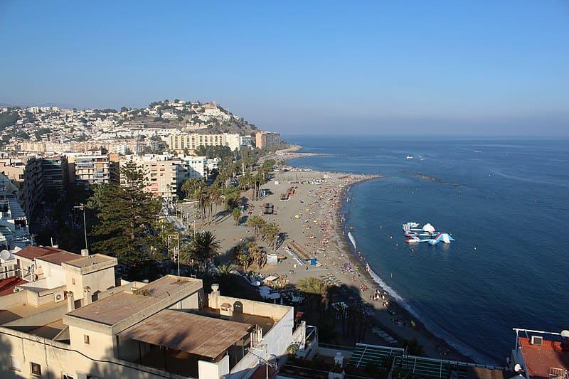 Playa de Puerta del mar, muy cerca del centro ciudad de Almuñecar