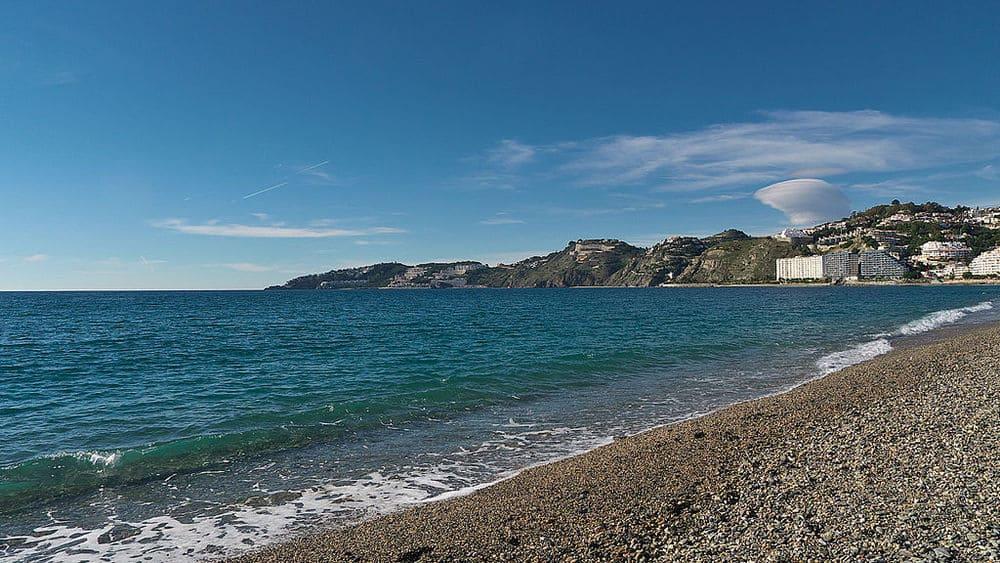 La playa de san cristobal en Almuñecar