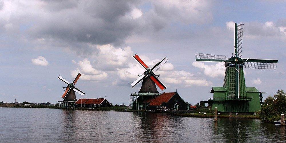 Los molinos de Zaanse Schans es uno de los destinos turísticos preferidos en Ámsterdam