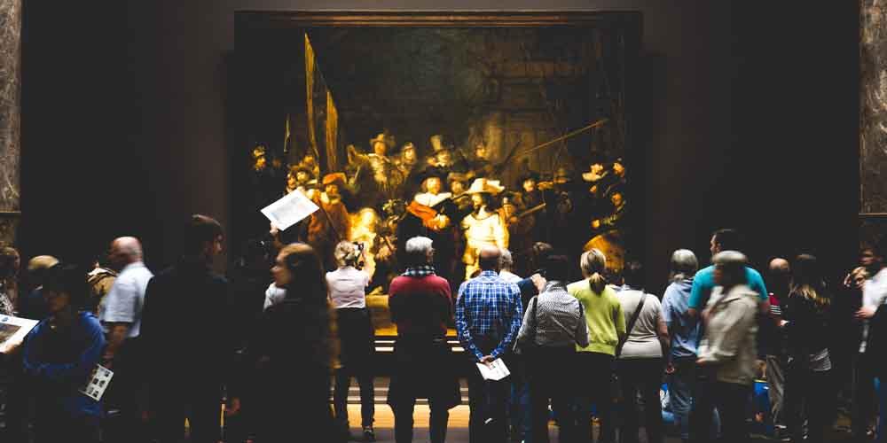 """El cuadro titulado """"Ronda de noche"""" del artista Rembrandt. Expuesto en el Rijksmuseum de Ámsterdam."""