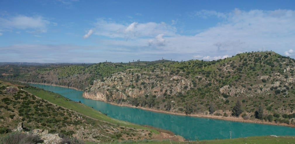 Embalse del rio Agrío en la provincia de Sevilla