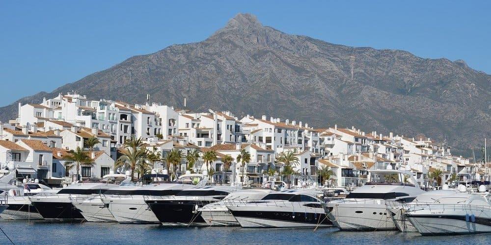 Descubre Marbella en un tour organizado