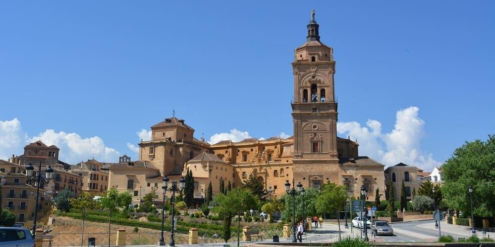 Excursiones en Granada a Guadix imprescindibles