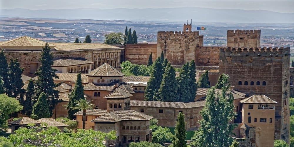 La Alhambra en Granada desde un mirador