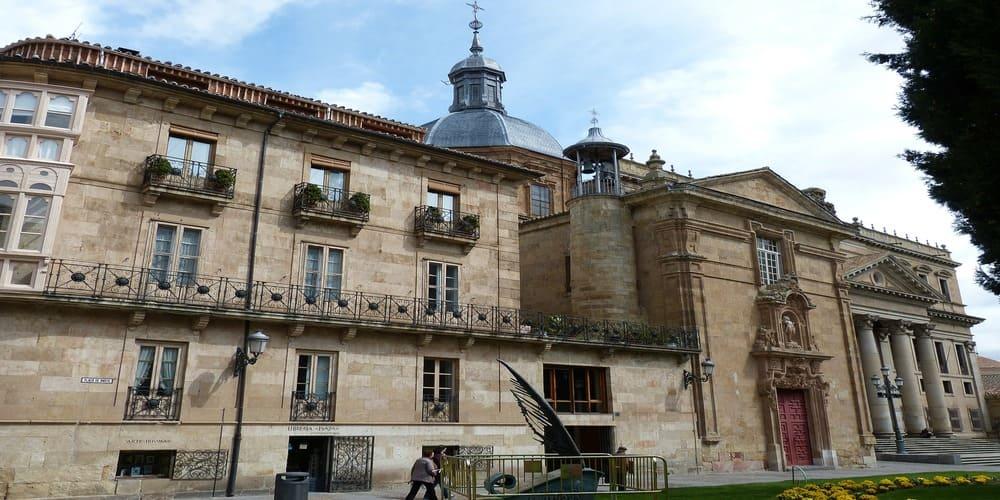 Fachada histórica en Salamanca